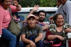 Image caption                                      La gente en Cherán se organizó en 2011 para establecer su propio sistema de autoridades, vigilancia y sanciones a delitos menores.                                En México, el crimen organizado llega a todas partes, incluso a los pueblos más pequeños… a excepción de uno en el estado de Michoacán.  Liderado por mujeres, Cherán se levantó en armas para