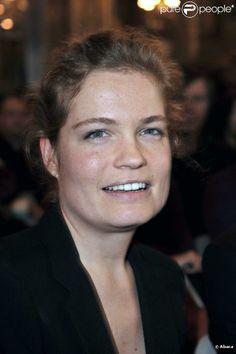 Sarah Biasini est une comédienne française, née le 21 juillet 1977 à Gassin près de Saint-Tropez, fille de Romy Schneider et Daniel Biasini