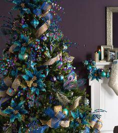 Peacock Christmas Tree, Silver Christmas Decorations, Beautiful Christmas Trees, Christmas Tree Themes, Blue Christmas, Winter Christmas, Christmas Crafts, Peacock Ornaments, White Ornaments