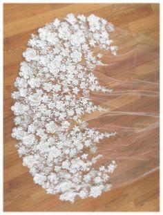 Floral Wedding Veil Venice Lace Veil Wedding One Tier # Weddings veils Floral Veil Wedding Dress With Veil, Wedding Veils, Wedding Dresses, Bride Veil, Perfect Wedding, Dream Wedding, Unique Wedding Hairstyles, Low Cost Wedding, Chapel Veil