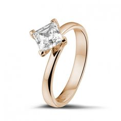 1.00 Carat Solitaire Diamond Ring In Red Gold Of High Quality. Handmade In Antwerp.