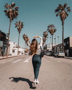 Foto para fazer na Viihrocha - Instagram Pose, Instagram Fashion, Tumblr Photography Instagram, Fotos Tumblr Pinterest, Fashion 90s, Travel Fashion, Runway Fashion, Style Fashion, Fashion Beauty