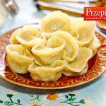 PIELMIENIE - sprawdzony, tradycyjny przepis na pierożki rodem z kuchni rosyjskiej. Idealne mięso ugotowane w mięciutkich pierożkach zachwyca smakiem.
