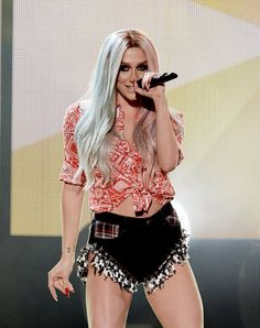 Pin for Later: Ihr erratet nie, wie diese Stars wirklich heißen Kesha = Kesha Rose Sebert