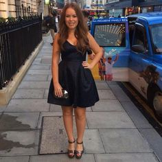 Tanya Burr going to Marvel's Thor: The Dark World premiere Classic Outfits, Cute Outfits, Formal Wedding Guests, Apple Shape Fashion, Tanya Burr, Vintage Trends, Diva Fashion, Dress Me Up, Spring Summer Fashion