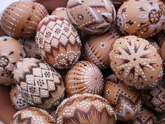 Malovaná vajíčka Eastern Eggs, Egg Shell Art, Faberge Eggs, Coloring Easter Eggs, Egg Art, Christmas Decorations, Christmas Ornaments, Egg Decorating, Egg Shells
