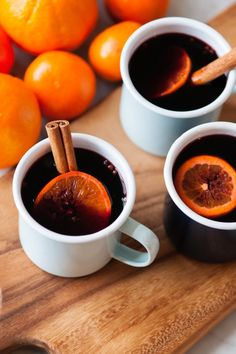 Classic Holiday Mulled Wine by @cydconverse // If you prefer something a bit sweeter, you can add a few cups of apple cider to the mix and add more honey or sugar