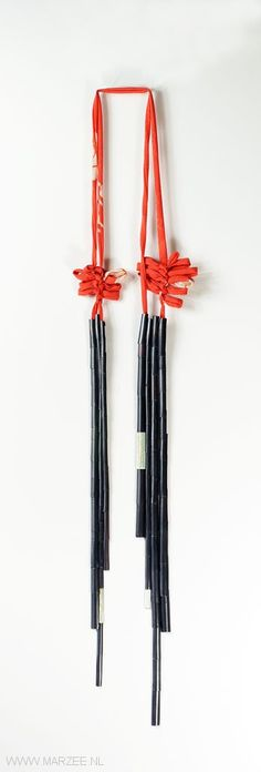 Mariko Sumioka (BA) – necklace Bamboo Necklace 2011, oxidised copper, enamel on copper, kimono, gold-plated steel cable