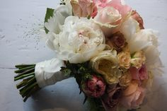 Don't the names peonies, sweet peas, and English garden roses just SOUND as lovely as this bouquet LOOKS? Description from flowerdesignstannes.blogspot.com. I searched for this on bing.com/images