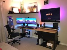 45 Fantastic Computer Gaming Room Decor Ideas and Design: Designing a video game room in your house dedicated solely to the love of playing… Computer Gaming Room, Gaming Room Setup, Computer Setup, Pc Setup, Gaming Rooms, Computer Technology, Computer Desk In Bedroom, Desktop Computer Desk, Gamer Setup
