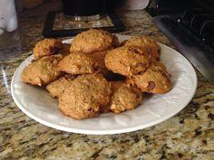 KLASSY KAIFORNIAN   Banana Oatmeal Chocolate Chip Cookies http://klassykalifornian.blogspot.com/2014/09/healthy-oatmeal-chocolate-chip-cookies.html