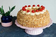 Take The Cake, Love Cake, Vanilla Custard, Vanilla Cake, Vegan Pudding, Ring Cake, Crown Cake, Vegan Candies, Cake Cutters