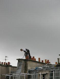 En face sur le toit..., via Flickr.