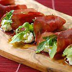 Rollitos de bresaola con queso 'ricotta'