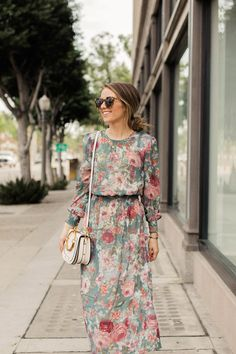 Looking for something to wear to Thanksgiving Dinner? These five fall dresses wi. - Looking for something to wear to Thanksgiving Dinner? These five fall dresses will get your wheels turning as you prep for the holiday! Modest Dresses, Modest Outfits, Fall Dresses, Classy Outfits, Cute Dresses, Beautiful Dresses, Dress Outfits, Fall Outfits, Casual Dresses