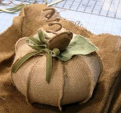 Very nice burlap pumpkin. I have SO many burlap projects to do! Must order burlap soon! Burlap Projects, Burlap Crafts, Fall Projects, Autumn Crafts, Holiday Crafts, Holiday Fun, Fall Halloween, Halloween Crafts, Sewing Crafts