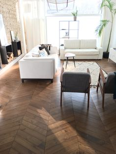 Parkett fischgrät French herringbone parquet - S. Fischbacher Living Breast Enhancers Throughout his Timber Flooring, Parquet Flooring, Living Room Decor, Bedroom Decor, Color Tile, Modern Interior Design, Sweet Home, House Design, Decoration