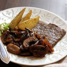 Greek Steak Pitas with Caramelized Onions and Mushrooms Recipe Onion Recipes, Mushroom Recipes, Meat Recipes, Caramelized Onions And Mushrooms, Stuffed Mushrooms, Stuffed Peppers, Traditional Gyro Recipe, Steak Cuts, Top Sirloin Steak