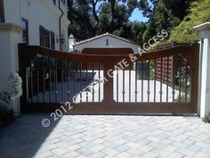custom wooden driveway gate 141