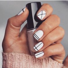 Black and white nails geometric designs