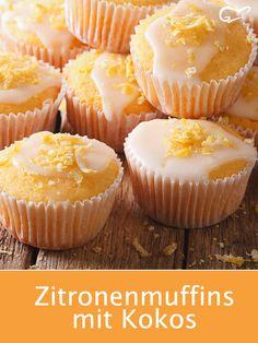 Zitronenmuffins mit Kokos sind im Handumdrehen zubereitet und schmecken einfach . Los muffins de limón con coco se preparan en un santiamén y simplemente tienen un sabor delicioso. Coconut Muffins, Banana Bread Muffins, Lemon Muffins, Healthy Muffins, Donut Recipes, Banana Bread Recipes, Muffin Recipes, Cookie Recipes, Dessert Recipes