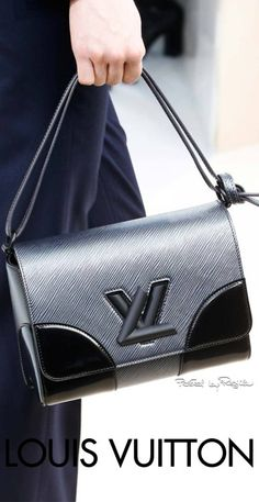 Regilla ⚜ Louis Vuitton, Fall Winter 2015/16