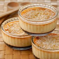 Flan of the islands with the coconut Mexican Food Recipes, Sweet Recipes, Easy Desserts, Dessert Recipes, Cupcake Cakes, Mini Cakes, Love Food, Cravings, Sweet Treats