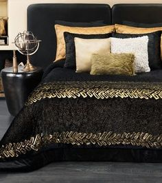Merveilleux Black And Gold Bedroom