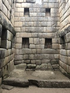 Machu Picchu, Cusco #travel #sudamerica #peru #traveler #viaje #machupicchu #imperioinca #cusco Ancient Mysteries, Ancient Ruins, Ancient Art, Ancient History, Machu Picchu, Inca Empire, Famous Buildings, Peru Travel, Old Stone