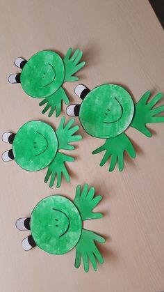 Craft Activities For Toddlers, Preschool Art Projects, Toddler Art Projects, Preschool Crafts, Christmas Crafts For Kids To Make, Easy Crafts For Kids, Diy For Kids, Spring Toddler Crafts, Frog Crafts