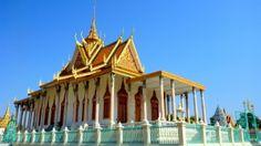 Jedziemy do Kambodży - kraju o bogatej historii zarówno średniowiecznej jak i nowożytnej. Jedziemy autobusem. Zobacz jak można przekroczyć granicę. Więcej na: http://smieszynkatravel.com/jedziemy-do-kambodzy/  #kambodża #granica #wietnam #phnom #penh #dolary