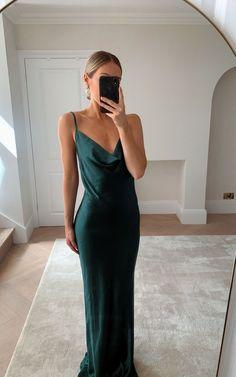 Deb Dresses, Pretty Prom Dresses, Gala Dresses, Event Dresses, Emerald Green Bridesmaid Dresses, Green Formal Dresses, Emerald Green Dresses, Emerald Green Wedding Dress, Emerald Green Weddings