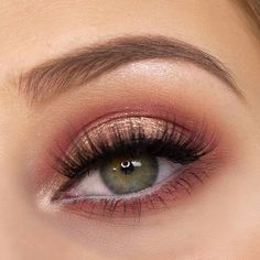 Glitter Eye Make Up mit der schwülen Lidschatten-Palette von Anastasia Beverly Hills Anastasia Beverly Hills Moderne Renaissance-Palette Foto-Tutorial Halo Eye www.y …Anastasia Beverly [. Anastasia Beverly Hills, Beverly Hills Makeup, Eye Makeup Tips, Beauty Makeup, Smokey Eye Makeup, Makeup Products, Makeup Hacks, Makeup Ideas, Makeup Geek