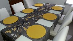 Dinning Room Tables, Dining Decor, Crochet Decoration, Decoration Table, African Interior Design, African Furniture, Decoupage Wood, Fabric Placemats, Cute Home Decor