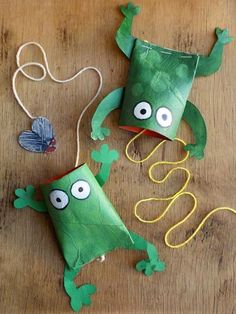 Toilet Paper Roll Crafts - Get creative! These toilet paper roll crafts are a great way to reuse these often forgotten paper products. You can use toilet paper rolls for anything! creative DIY toilet paper roll crafts are fun and easy to make. Projects For Kids, Diy For Kids, Craft Projects, Craft Ideas, Game Ideas, Inventar Ideas, Decorating Ideas, Games For Kids, Craft Activities