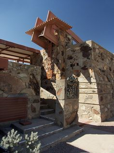 Taliesin West Bell Tower by Frank Lloyd Wright, Scottsdale, Arizona - Wright's winter home and studio Organic Architecture, Art And Architecture, Architecture Details, Frank Lloyd Wright Buildings, Frank Lloyd Wright Homes, Gaudi, Architecture Organique, Usonian, Modern Architects