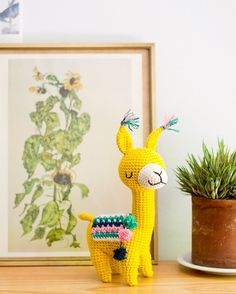 Pattern by Pica Pau for DMC Spain - Amigurumi Crochet Diy, Crochet Crafts, Crochet Dolls, Yarn Crafts, Crochet Projects, Diy And Crafts, Crochet Ideas, Alpacas, Amigurumi Patterns