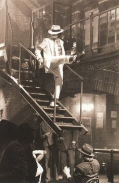 #loveMichaelJackson<3 (one of my favourite songs of him...smooth criminal)