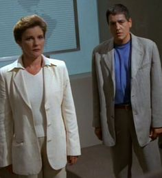 Captain Janeway and Chakotay - Future's End