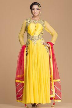 Yellow embroidered Net Anarkali #bandbaajaa.com #bandbaajaa #weddingsuits #mehendifunction #bridalsuits #designersuits #designersuits #salwarkameez #suits #weddingwear #weddingshopping
