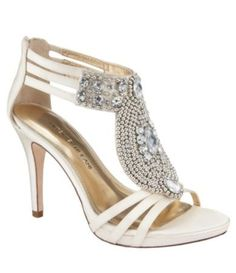 Bridal Shoes #shoelove #lacelebrant