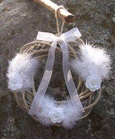 Summer wreath in a scandinavian style. Summer Wreath, Scandinavian Style, Wreaths, Door Wreaths, Deco Mesh Wreaths, Floral Arrangements, Garlands, Floral Wreath, Garland
