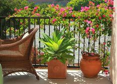 Balkon Sichtschutz Weiß Bnumentöpfe Quadratisch Sonnenschutz ... Sichtschutz Mit Balkonbespannung 23 Coole Ideen