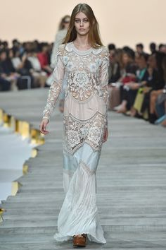 http://www.fashionsnap.com/collection/roberto-cavalli/2015ss/gallery/index24.php