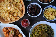 Wat serveer je nu bij een rijsttafel? Hier vind je inspiratie voor verschillende Indische gerechten waarmee je een heerlijke rijsttafel kunt maken.