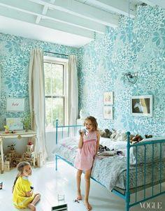 A fairytale kids' room decoration