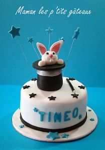 lapin, étoile, chapeau, garçon, magicien, cake design Magic Birthday, Birthday Cakes, Birthday Ideas, Holidays And Events, Fondant, Valentines Day, The Incredibles, Christmas Ornaments, Holiday Decor