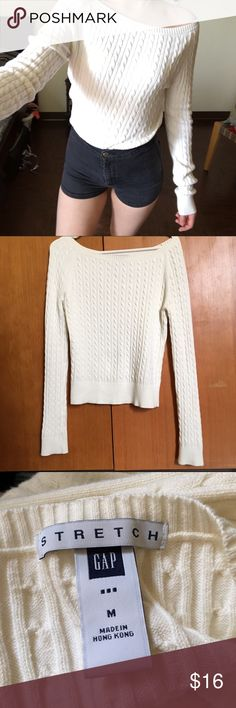 Super soft Gap white stretch sweater Super soft Gap white stretch sweater💖 Not too heavy so perfect for spring🌷 Such a classic piece. Must have sweater🎀Size M but fits S as well.  #sweater #spring #white #doll #strechy #gap #soft #comfy #depop #depopfamous GAP Sweaters
