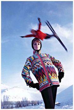 Astrid Heeren in tuta da sci Emilio Pucci fotografata da Peter Beard per Vogue, 1964