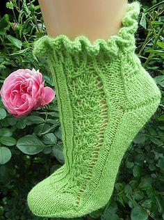 Ravelry: Sommerbrise pattern by Birgit Ka Knitting Socks, Knit Socks, Yarn Colors, One Color, Colour, Ravelry, Tatting, Needlework, Knit Crochet
